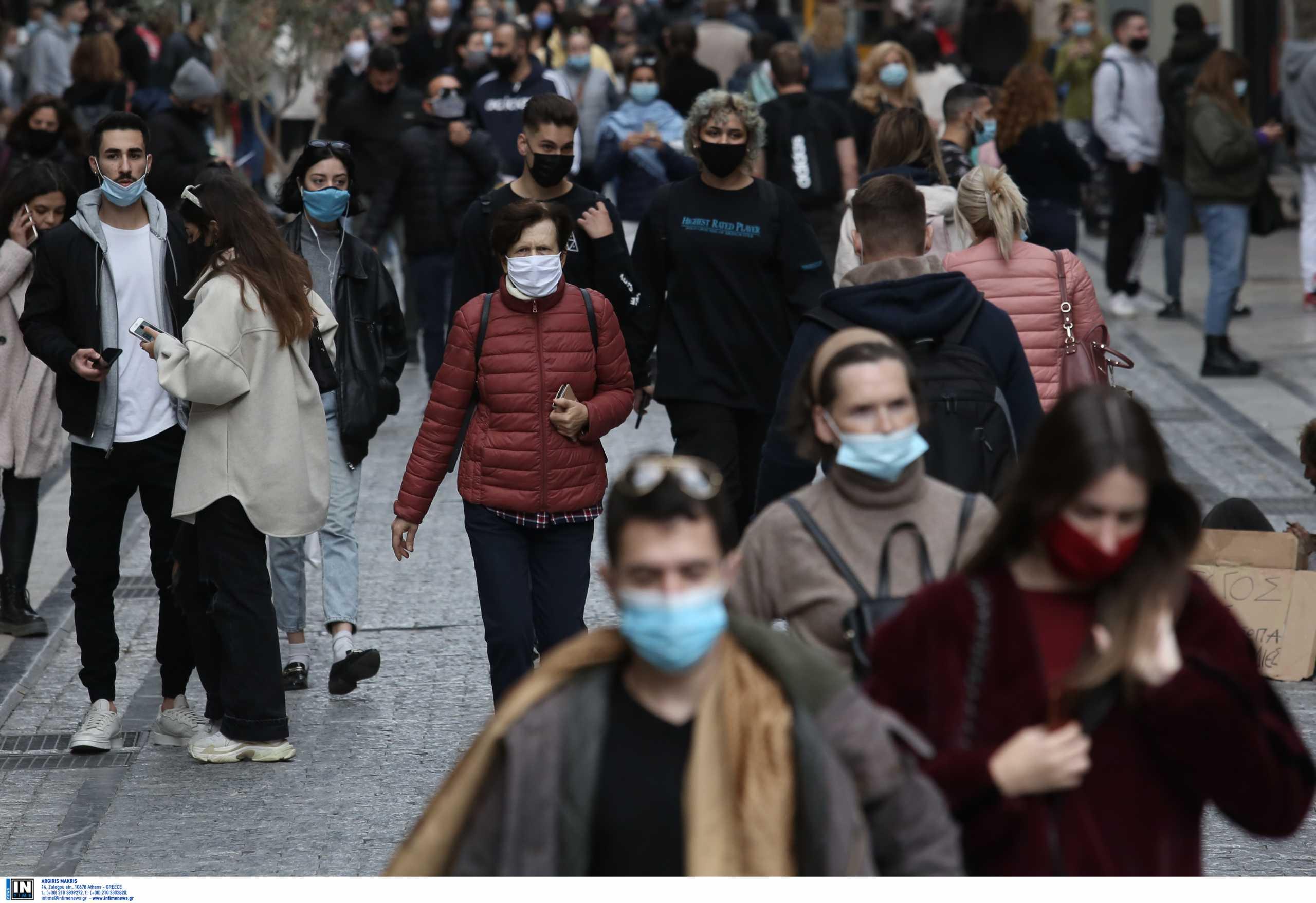 """Δερμιτζάκης: Αναπόφευκτη η διασπορά με το click away και τις """"αόρατες"""" παραβιάσεις του lockdown"""