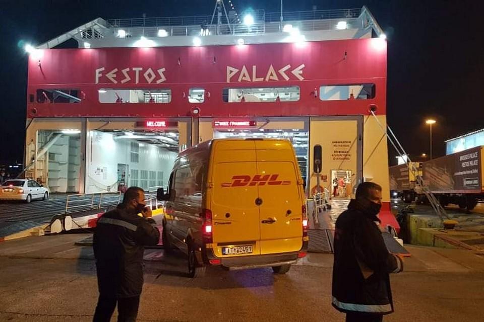 Κρήτη – Κορονοϊός: Έτσι έφτασαν πάνω από 10.000 εμβόλια της Pfizer – Δρακόντεια τα μέτρα ασφαλείας (pics)