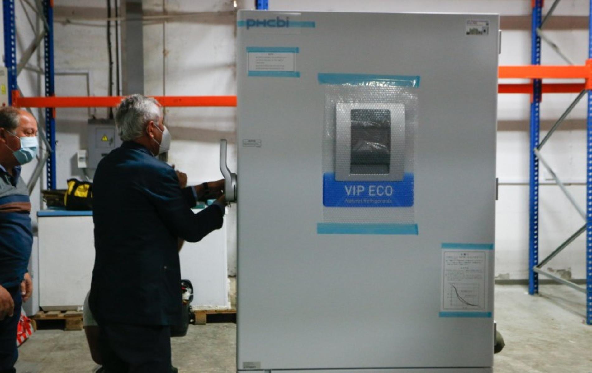 Κύπρος: Παρέλαβαν τα ειδικά ψυγεία για τα εμβόλια του κορονοϊού