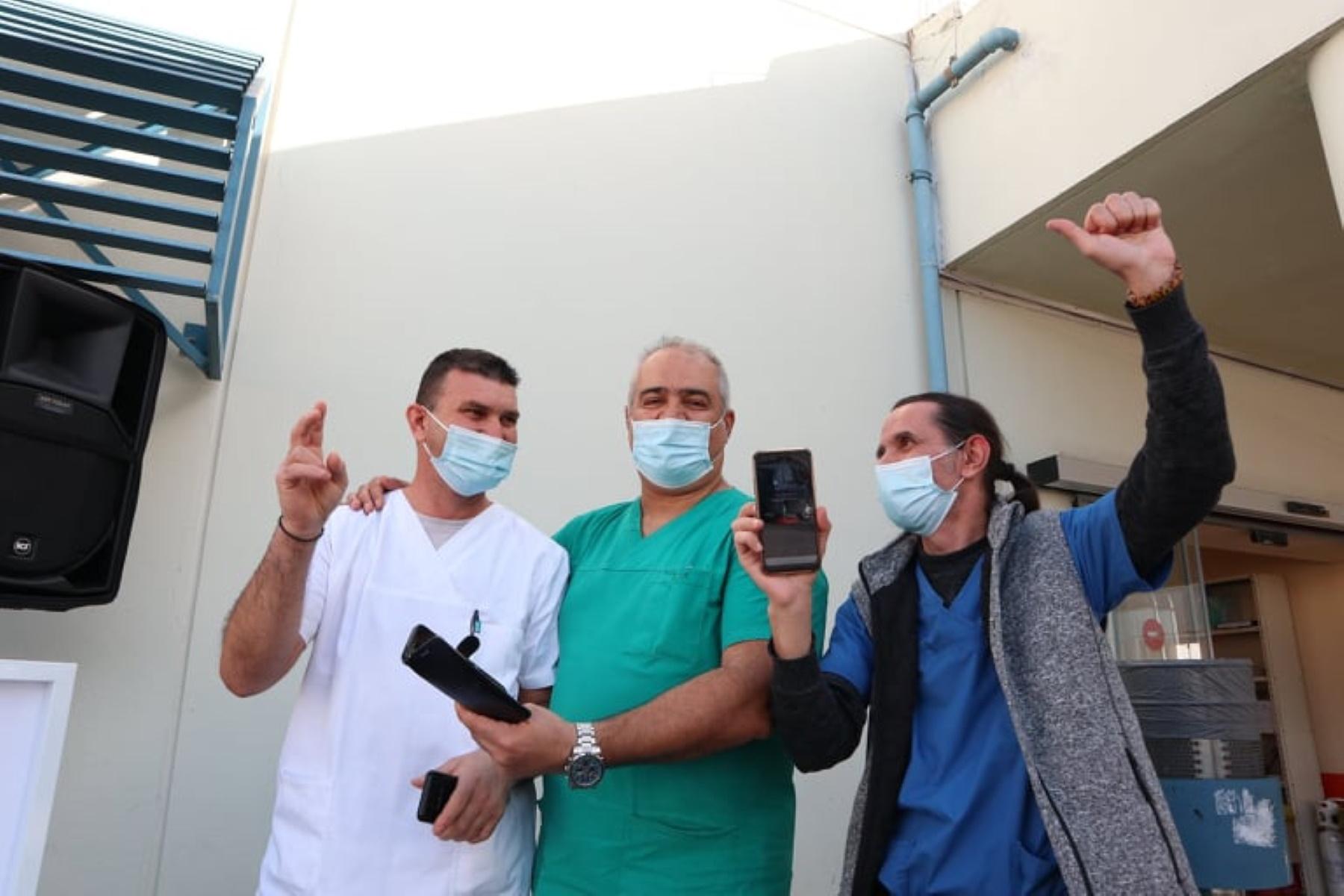 Τρελό κέφι με Dj στα επείγοντα του Πανεπιστημιακού Νοσοκομείου Λάρισας (video)