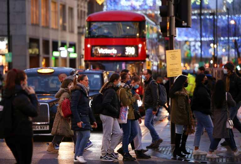Κορονοϊός – «Βράζει» η Βρετανία: Νέο ρεκόρ θανάτων σε 24 ώρες