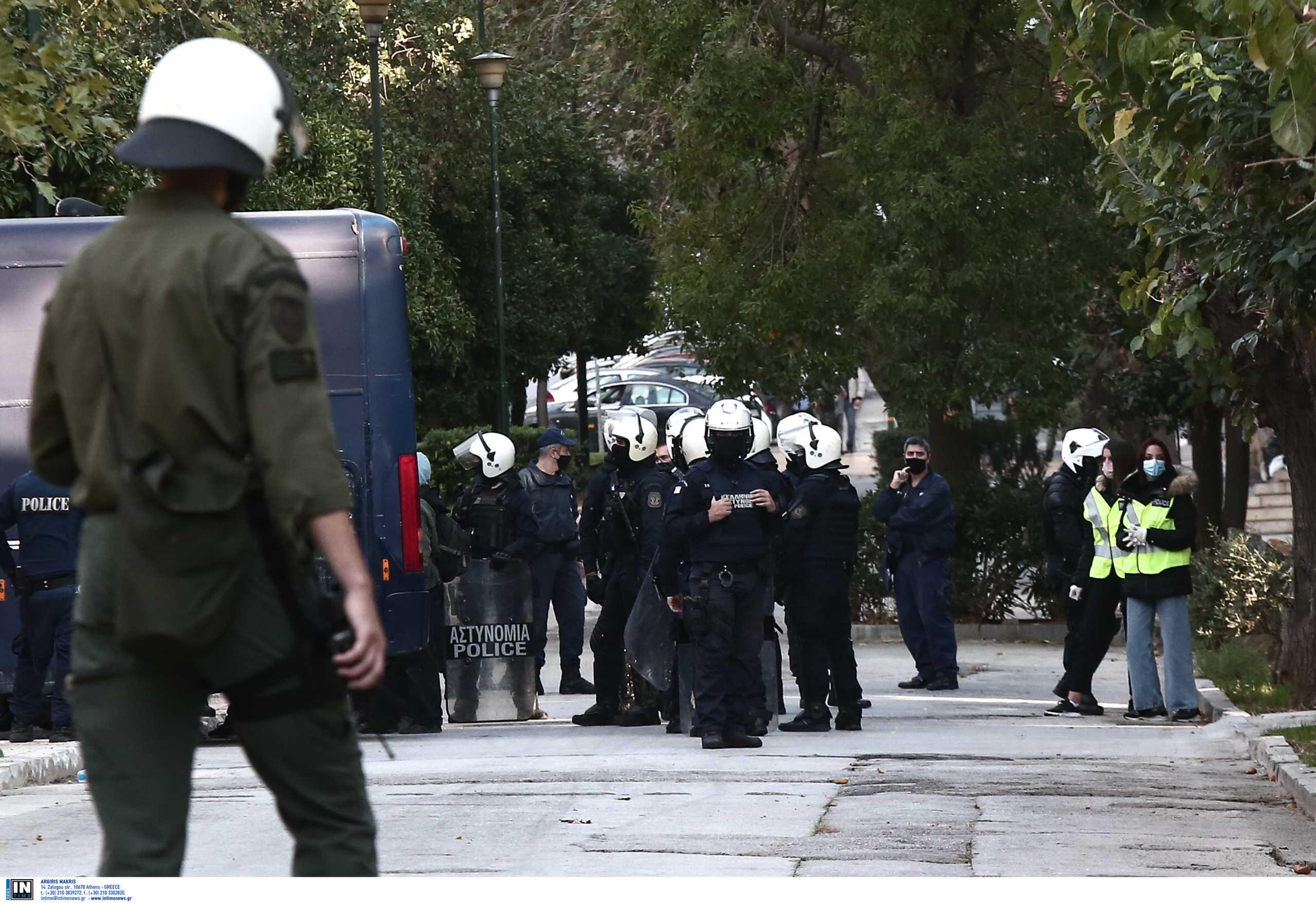 Επέτειος Γρηγορόπουλου: Απαγορεύονται την Κυριακή οι συναθροίσεις άνω των 4 ατόμων