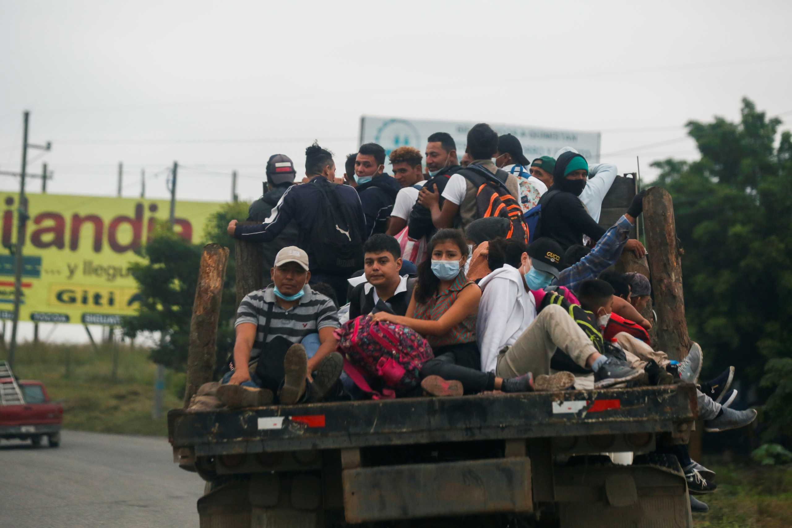 Διαλύθηκε καραβάνι μεταναστών από την Ονδούρα προς τις ΗΠΑ (pics)