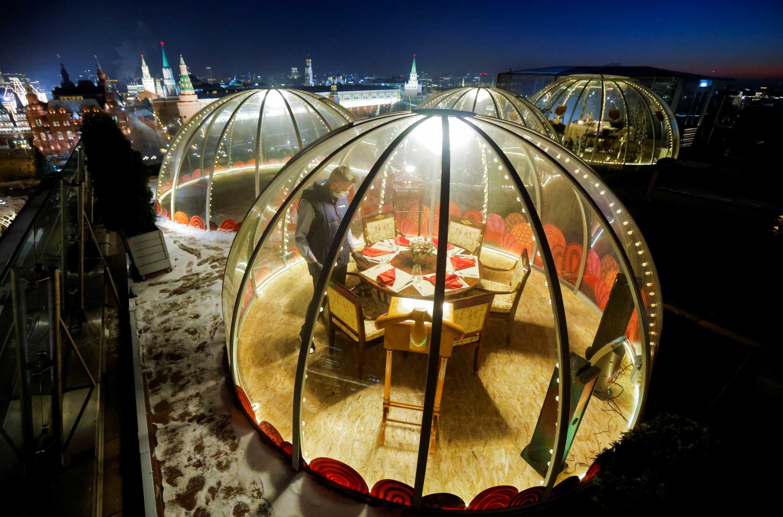 Χριστούγεννα covid – free σε φούσκα χλιδής με θέα την Κόκκινη Πλατεία της Μόσχας