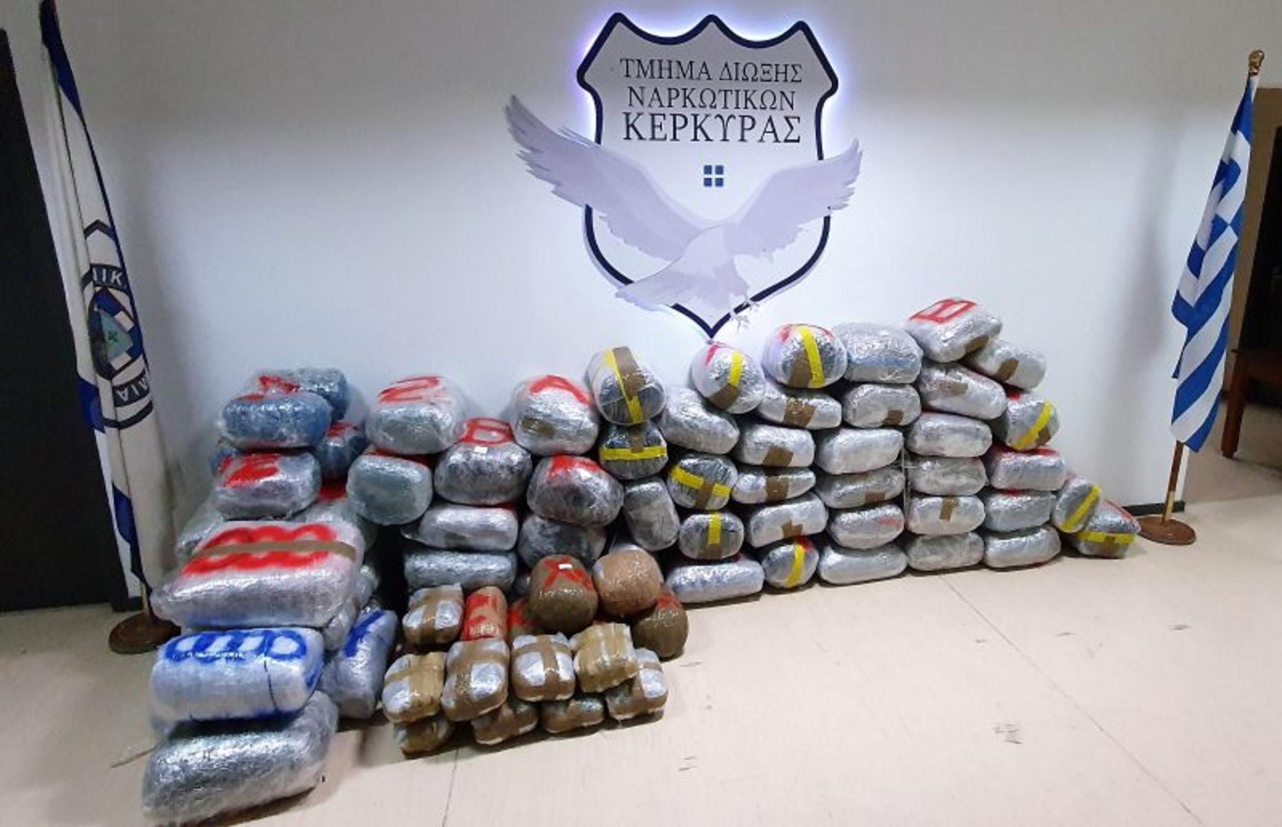 Κέρκυρα: Συνελήφθη αλλοδαπός με 322 κιλά κάνναβης – Πώς στήθηκε η αστυνομική επιχείρηση (pics, video)