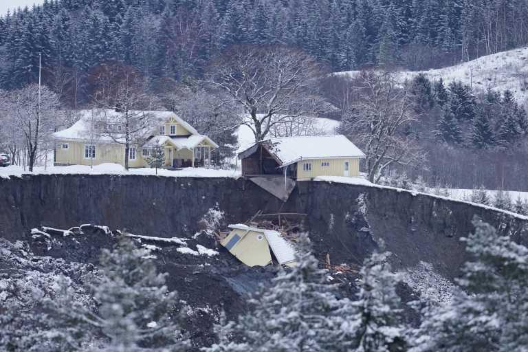 Νορβηγία: Αγωνία για τον εντοπισμό 10 αγνοούμενων μετά από κατολίσθηση