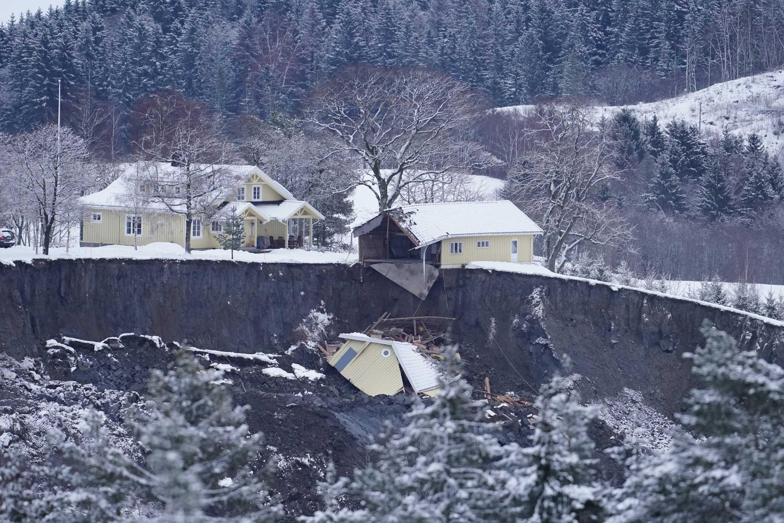 Νορβηγία: Τέσσερις νεκροί και έξι αγνοούμενοι ο νεότερος απολογισμός από την κατολίσθηση
