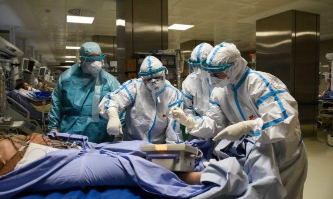 Κορονοϊός: 24χρονος διασωληνωμένος ασθενής στο Πανεπιστημιακό Νοσοκομείο Λάρισας