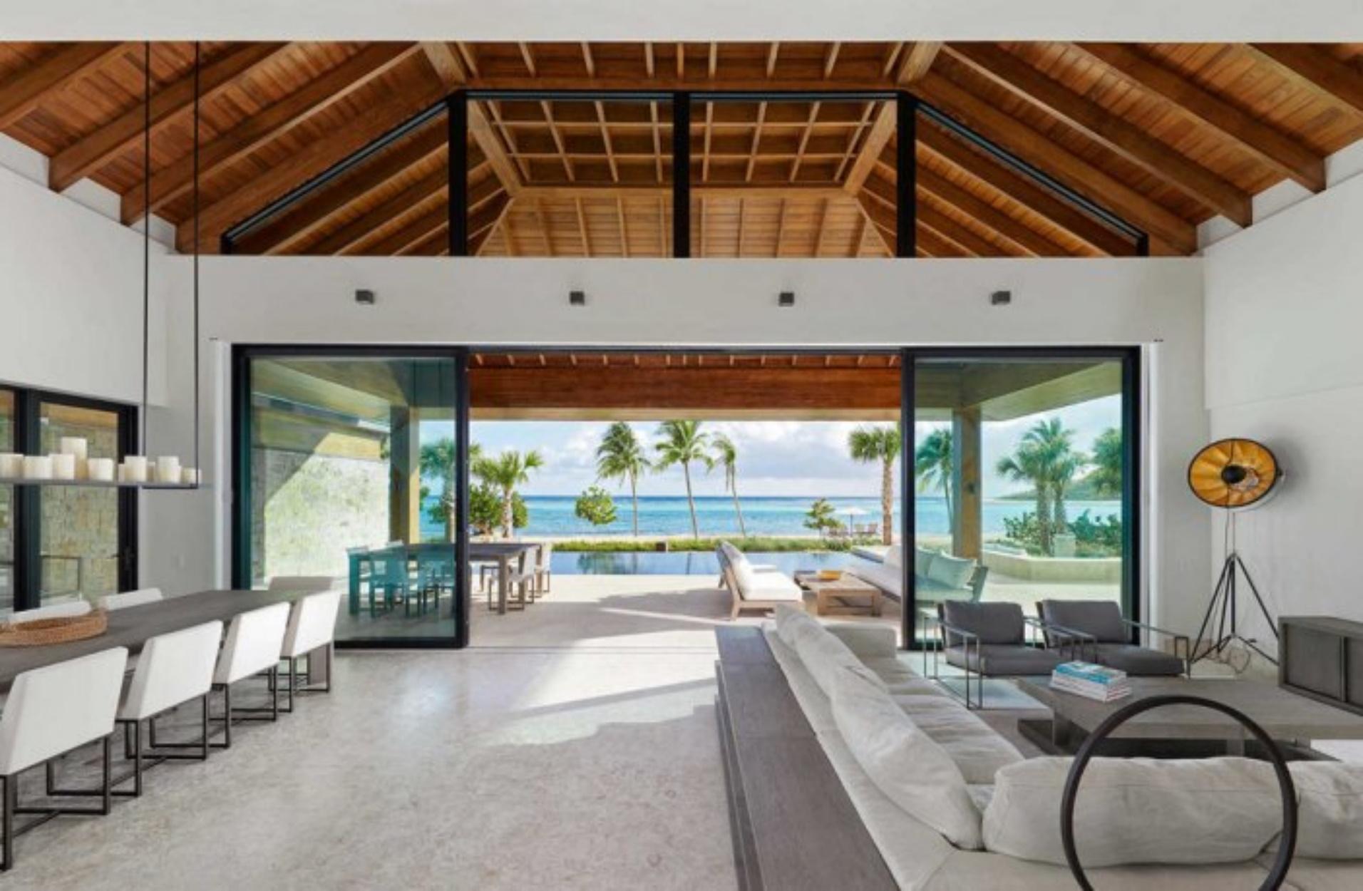Ένα ονειρεμένο σπίτι σε απόσταση αναπνοής από τα κρυστάλλινα νερά της Καραϊβικής