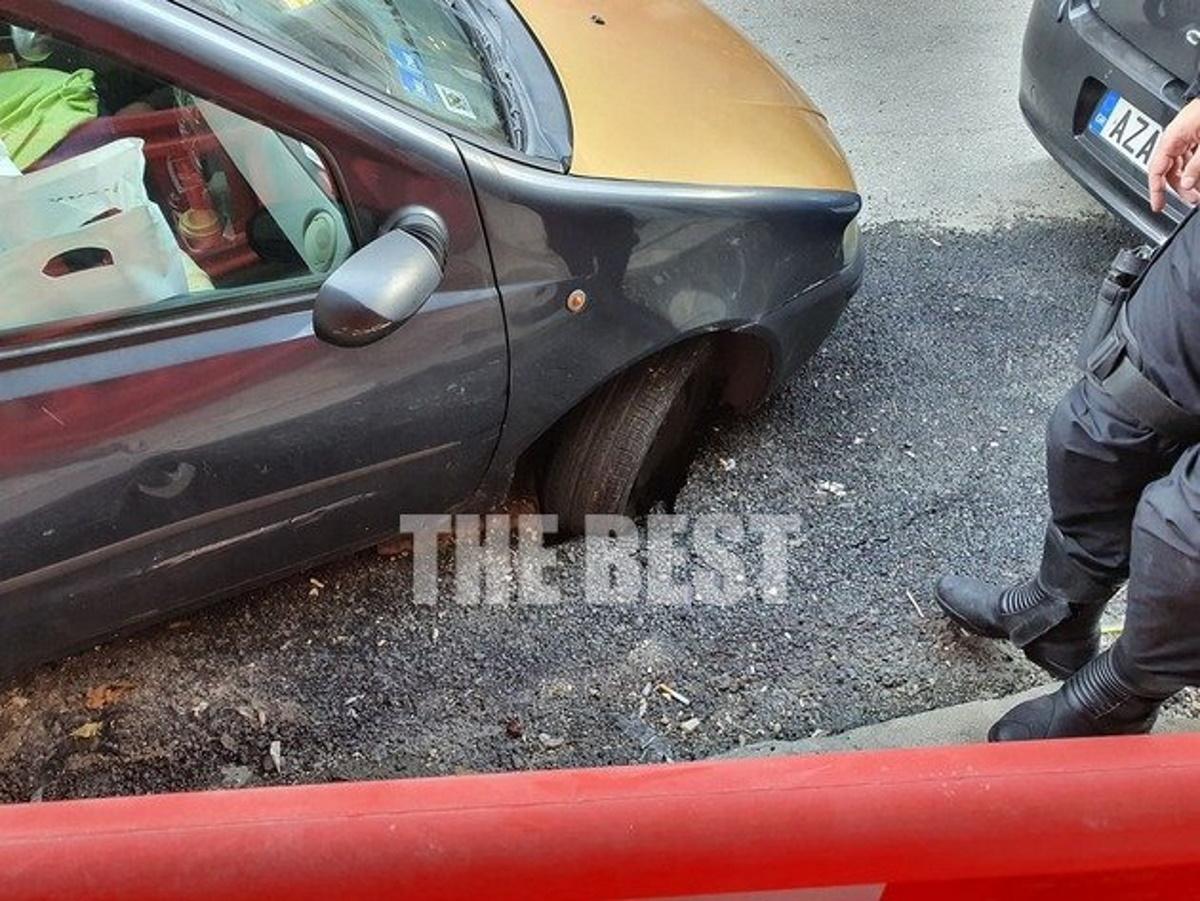 Δρόμος «ρούφηξε» αυτοκίνητο στην Πάτρα (pics)