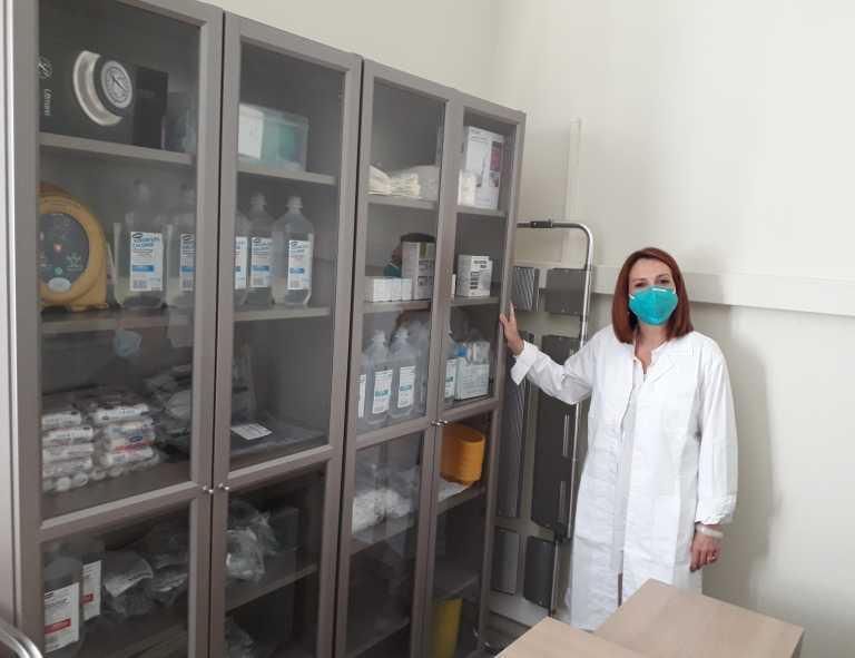 Δωρεά ιατρικού εξοπλισμού και φαρμάκων στα κοινωνικά ιατρεία από την ΠΕΦ