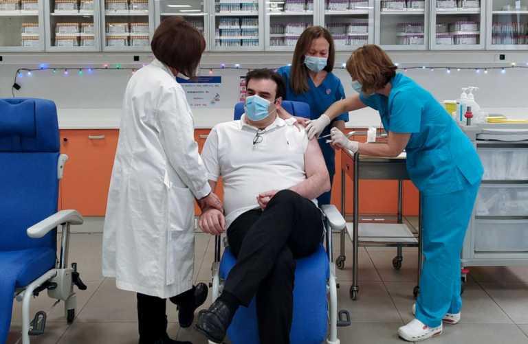 Εμβόλιο κατά του κορονοϊού και για τον Κυριάκο Πιερρακάκη