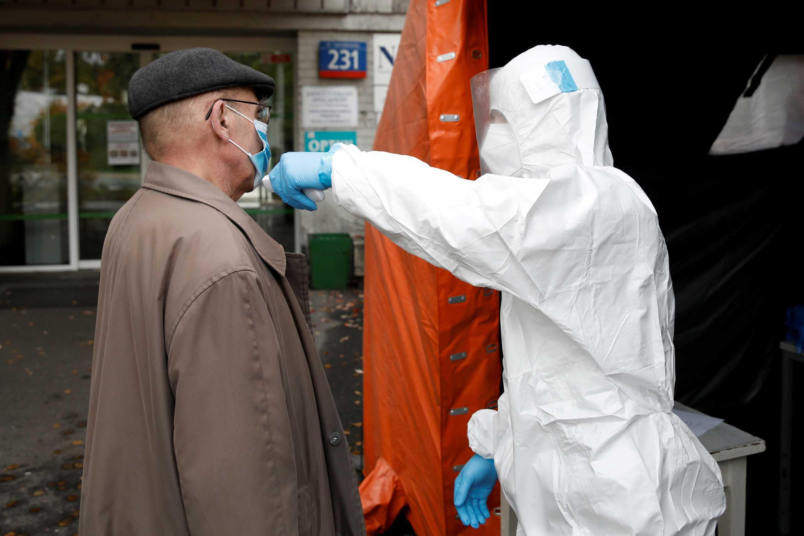 Πολωνία: Αγώνας δρόμου για 3,4 εκατ. εμβολιασμούς το μήνα!