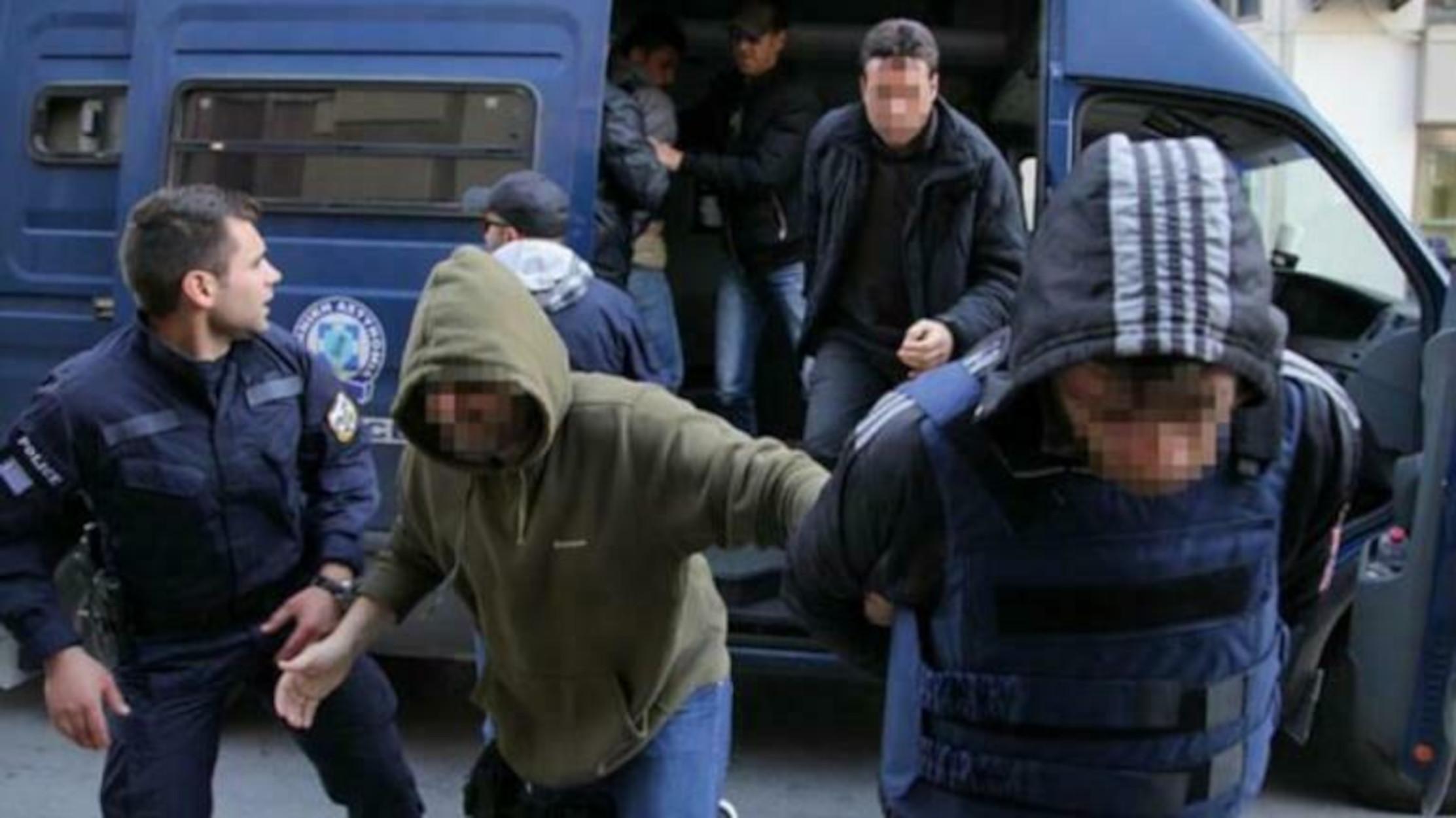 Δολοφονία Προβιδάκη: Ισόβια για τους δύο, «έσπασαν» για τον τρίτο – Ξέσπασαν οι συγγενείς (video)