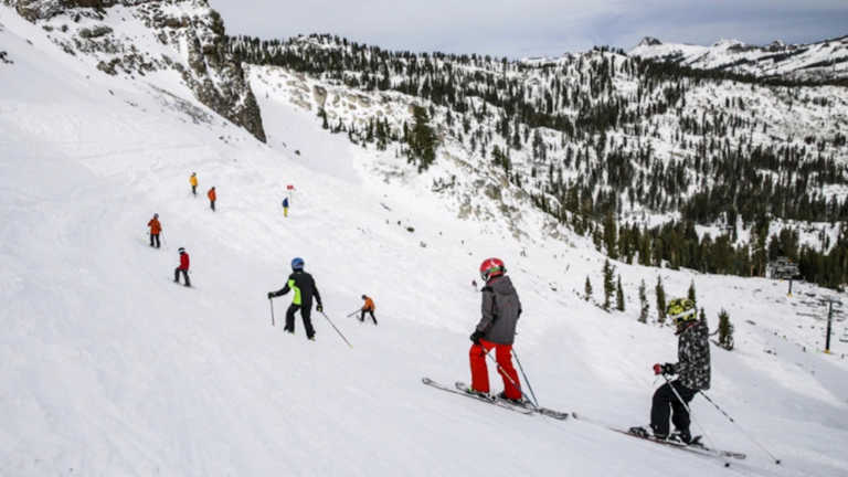Γαλλία: Φόβοι για μετάδοση κορονοϊού απ' όσους θέλουν να κάνουν σκι – Έλεγχοι στα σύνορα