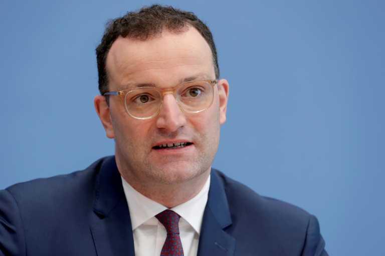 Γερμανός υπουργός Υγείας κατά Pfizer: Οι καθυστερήσεις θέτουν σε κίνδυνο την εκστρατεία εμβολιασμού