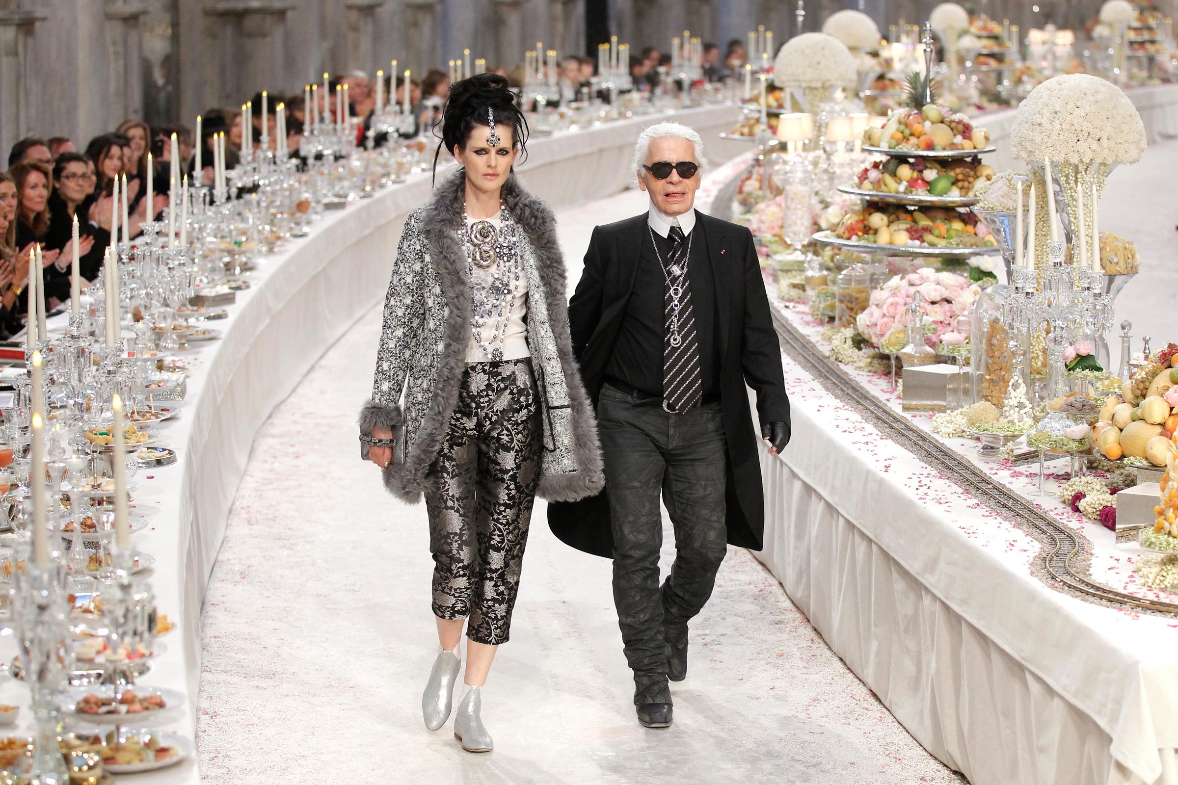 Σε δημοπρασία πάνω από 1.000 αντικείμενα του Karl Lagerfeld