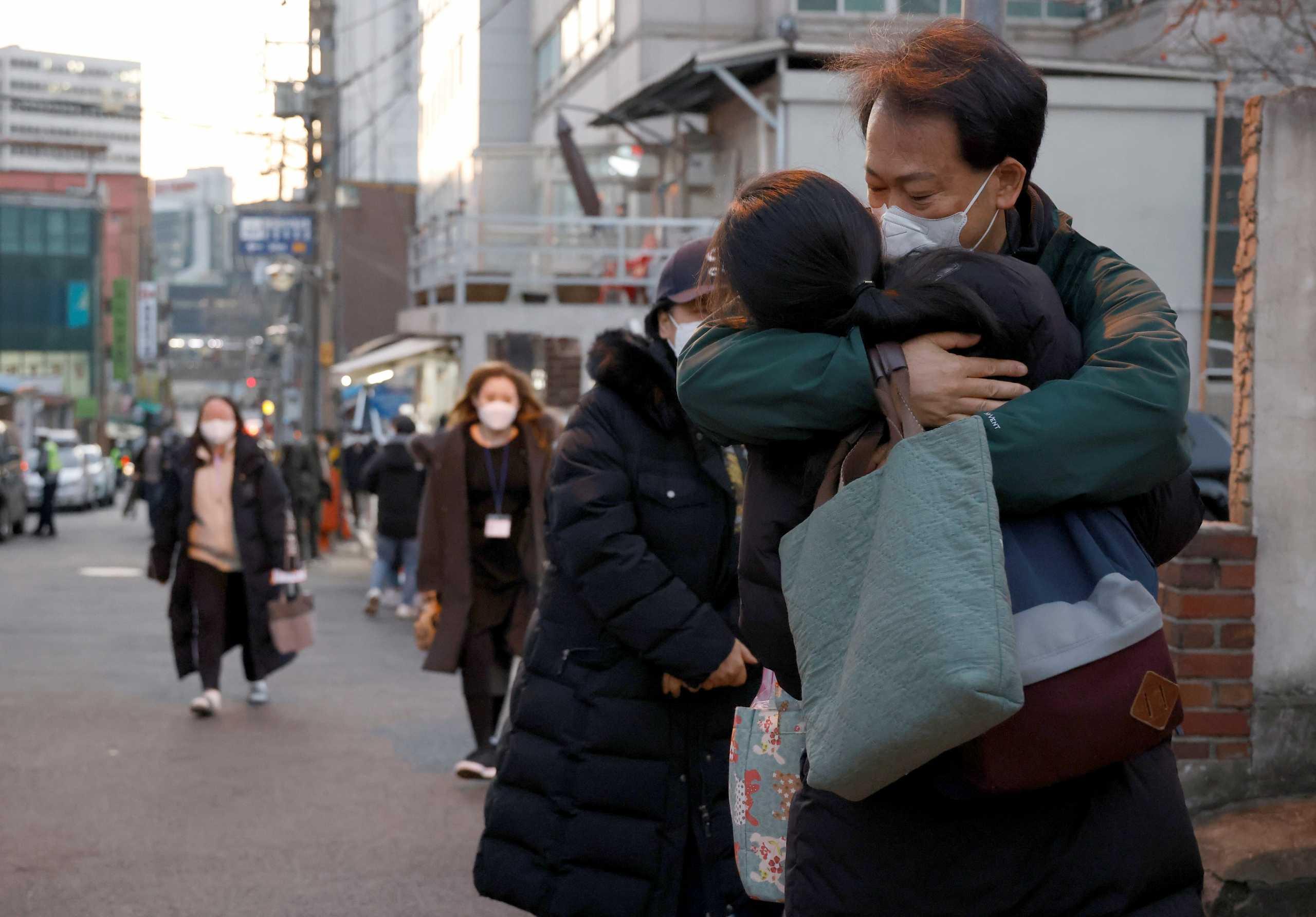 «Θερίζει» ο κορονοϊός: Περισσότεροι από 1,86 εκατομμύρια οι θάνατοι σε όλο τον κόσμο
