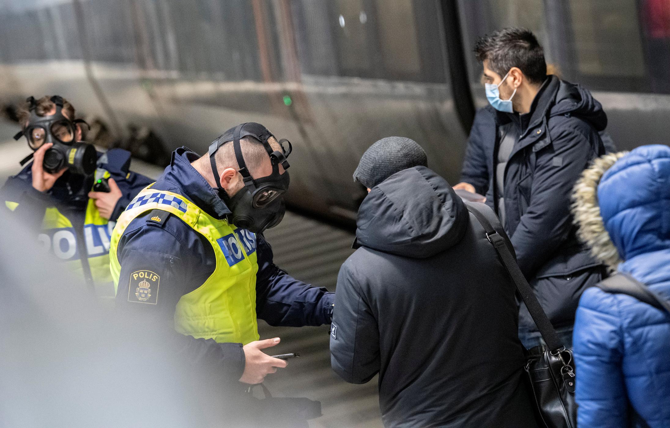 Σουηδία: Χρήση μάσκας ζητά η κυβέρνηση μετά το ρεκόρ θανάτων από κορονοϊό