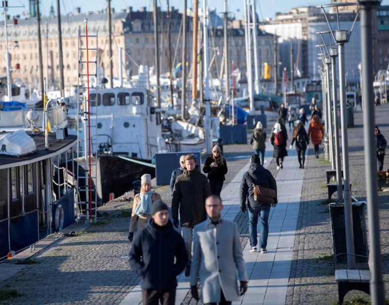 Σουηδία: Πάνω από 17.000 κρούσματα το τελευταίο τριήμερο και 117 νεκροί
