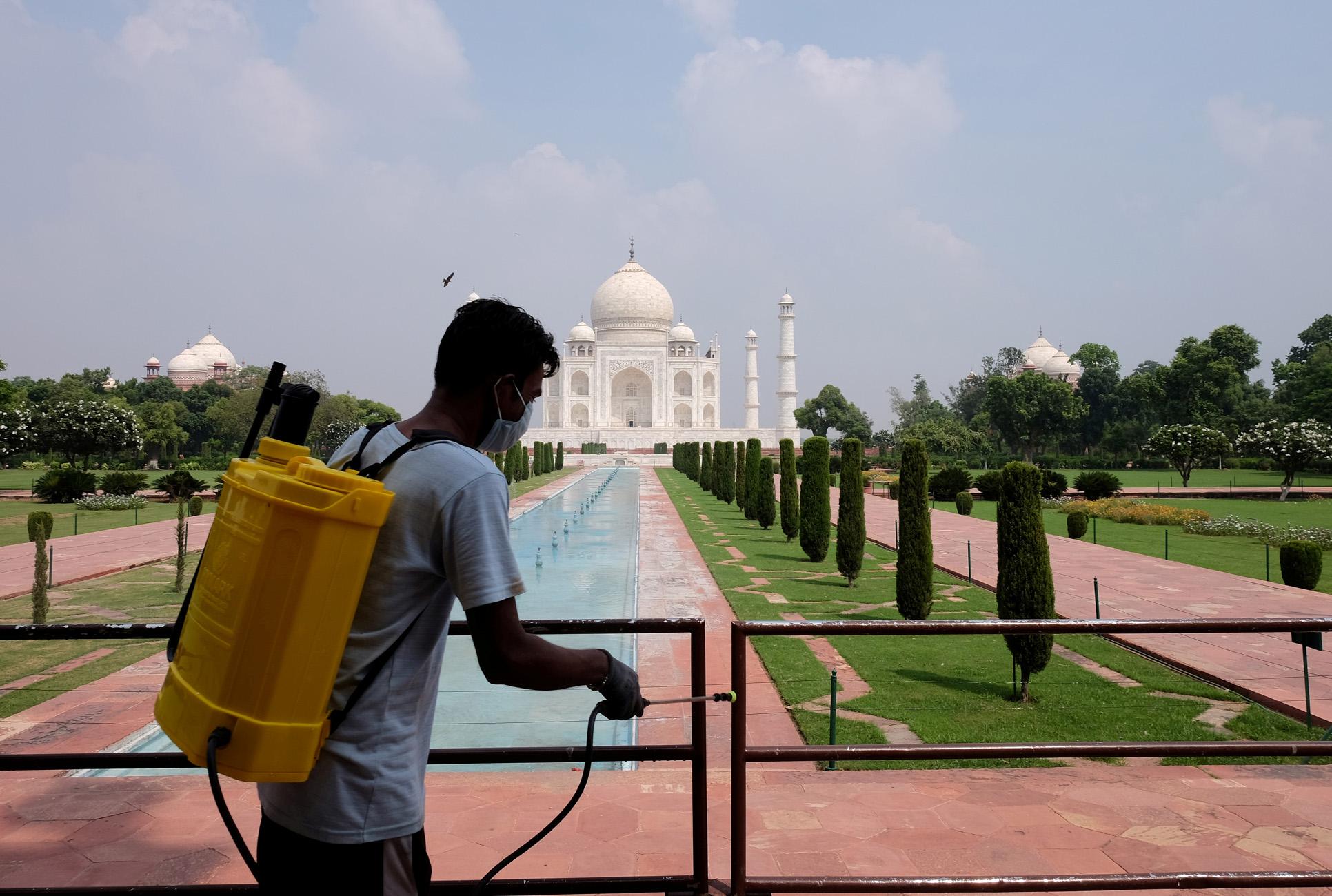 Ινδία: Ανοίγει και πάλι το Ταζ Μαχάλ