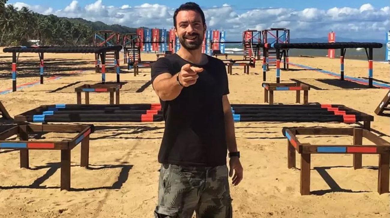Ο Σάκης Τανιμανίδης ανακάλυψε τον «δίδυμο» αδερφό του στο Instagram