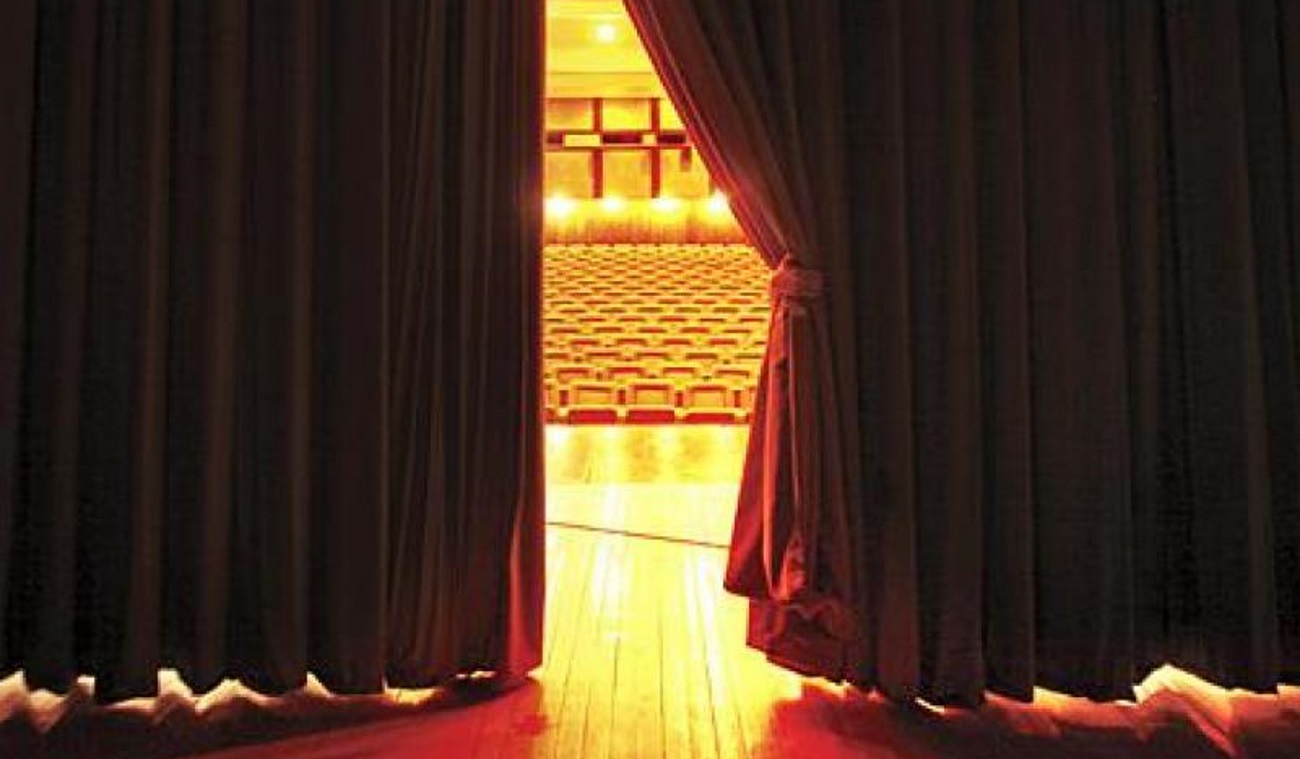 Κατατέθηκε η πρώτη μήνυση για σεξουαλική κακοποίηση στο θέατρο