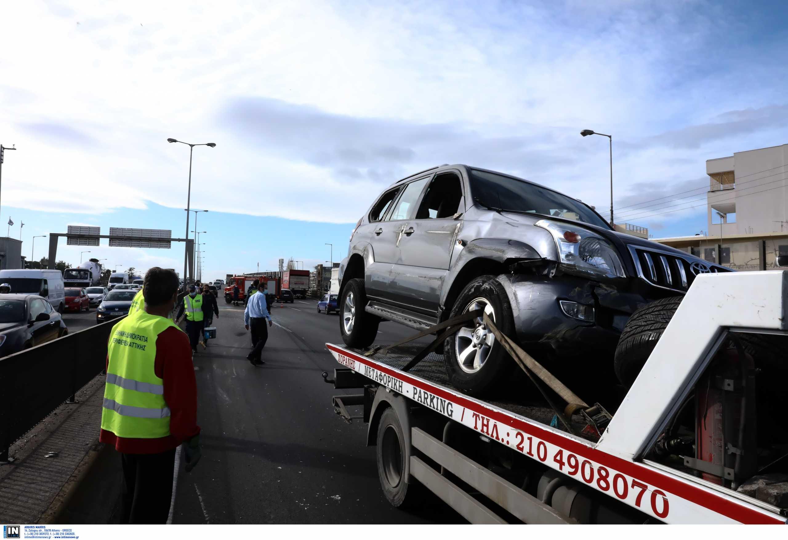 Νέες εικόνες από το σοβαρό τροχαίο στη λεωφόρο Κηφισού (pics, video)