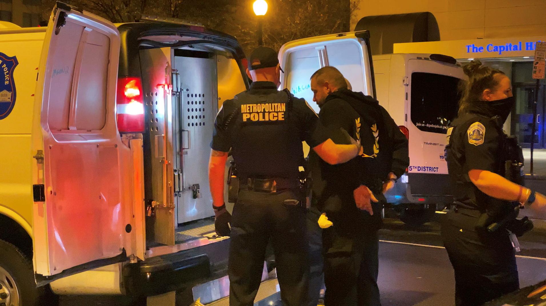 ΗΠΑ: Πυροβολισμοί και μαχαιρώματα στις διαδηλώσεις υπέρ του Τραμπ (video)