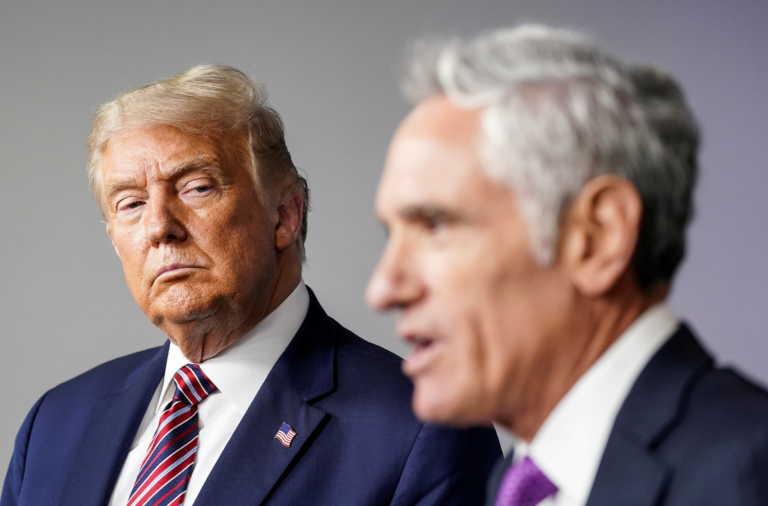 Παραιτήθηκε ο σύμβουλος του Τραμπ που έλεγε ότι οι μάσκες δεν είναι ασφαλείς!