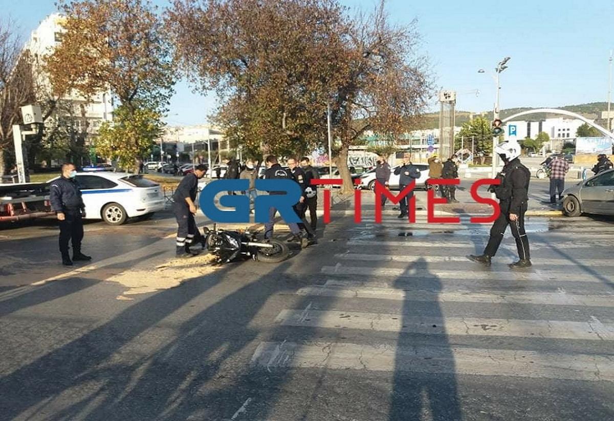 Θεσσαλονίκη: Σύγκρουση με τραυματία στην Τσιμισκή – Μποτιλιάρισμα στο σημείο
