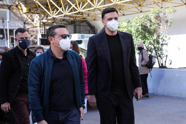 ΣΥΡΙΖΑ: Έκαναν τον εμβολιασμό «ρουσφέτι για λίγους»