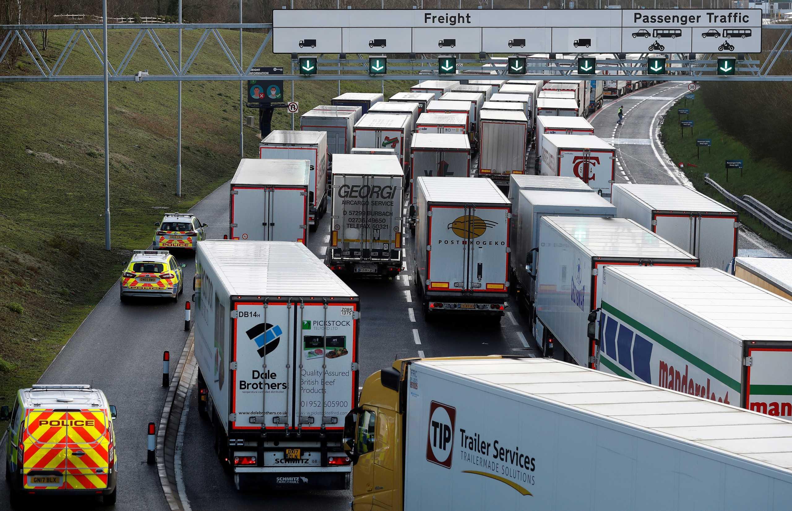 Μετάλλαξη κορονοϊού – Γαλλία: Κλείσιμο συνόρων με τη Βρετανία εισηγείται επιδημιολόγος