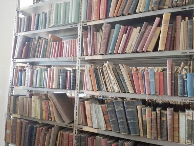 Ζάκυνθος: Ζωντανεύει ξανά η αρχαιότερη βιβλιοθήκη – Ένας ανεκτίμητος πλούτος από το 1.628 (pics)