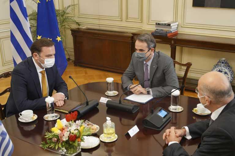 Συνάντηση Μητσοτάκη με τον ΥΠΕΞ της Βόρειας Μακεδονίας