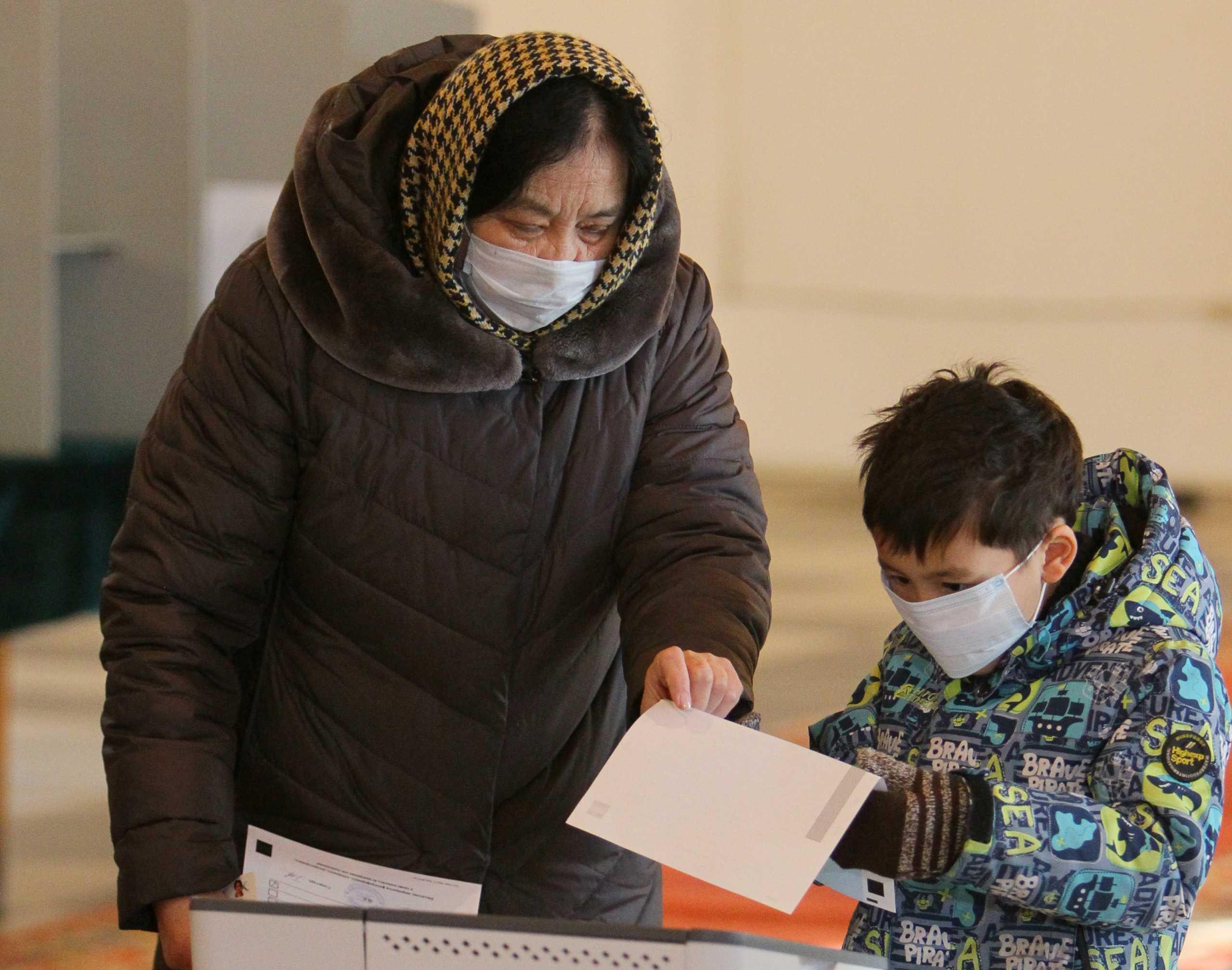 Κιργιστάν: Ο εθνικιστής Τζαπάροφ προηγείται με ποσοστό άνω του 80% στις προεδρικές εκλογές