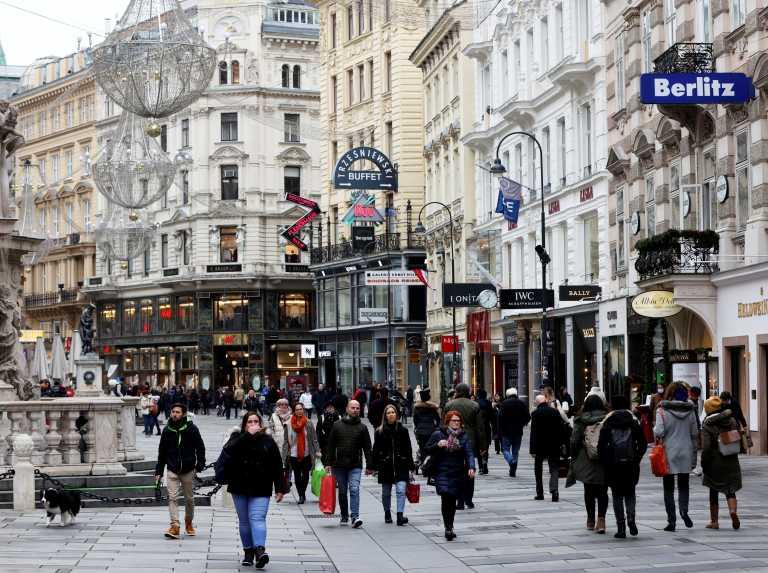 Αυστρία – Κορονοϊός: Παρατείνεται και αυστηροποιείται το lockdown εν μέσω σφοδρών διαμαρτυριών