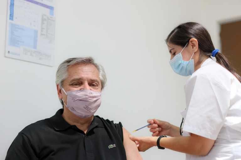 Ο πρόεδρος της Αργεντινής έκανε το ρωσικό εμβόλιο