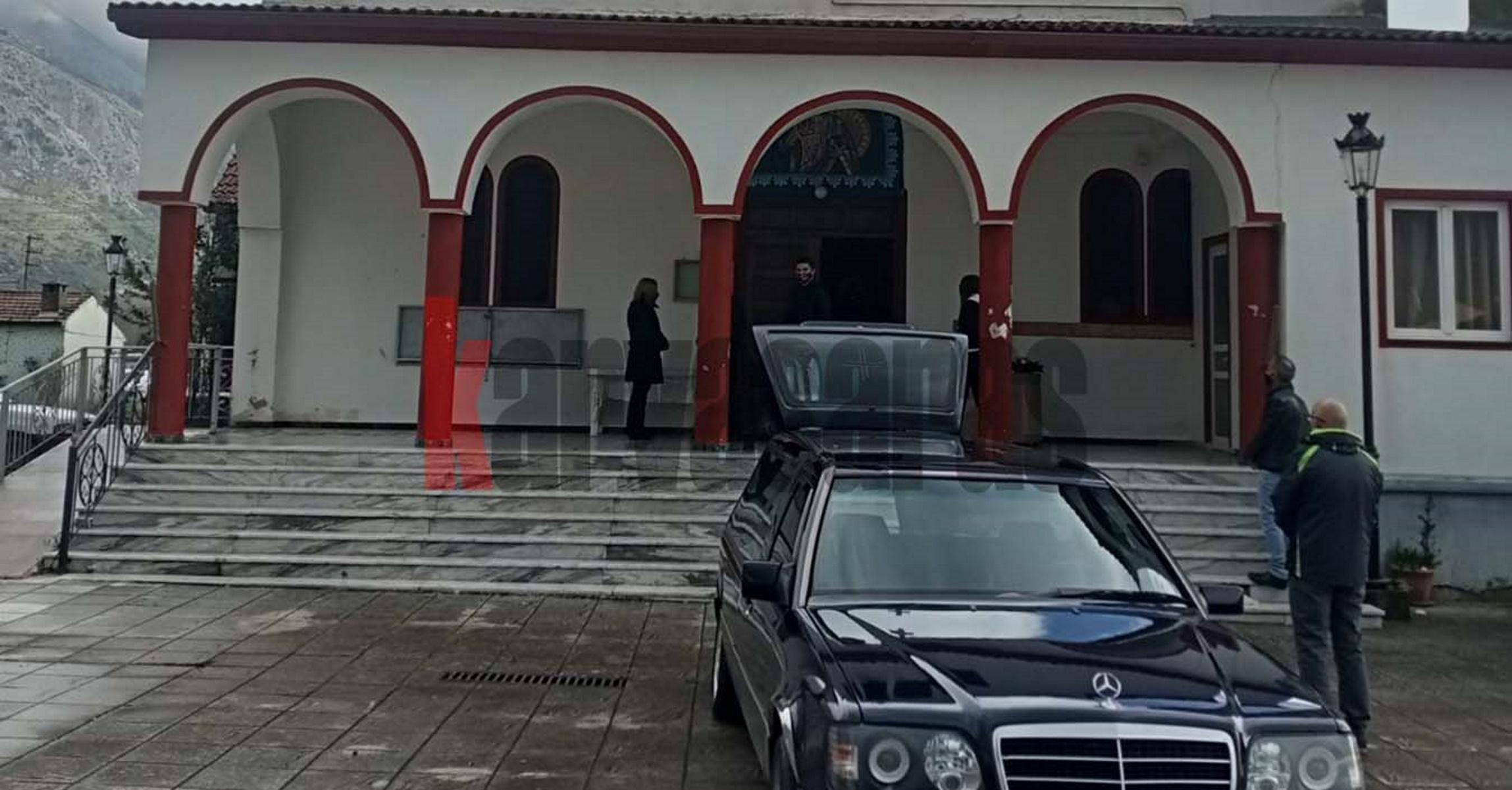 Αιτωλοακαρνανία: Ανείπωτη θλίψη στην κηδεία του 91χρονου που δολοφονήθηκε μέσα στο σπίτι του (pics)