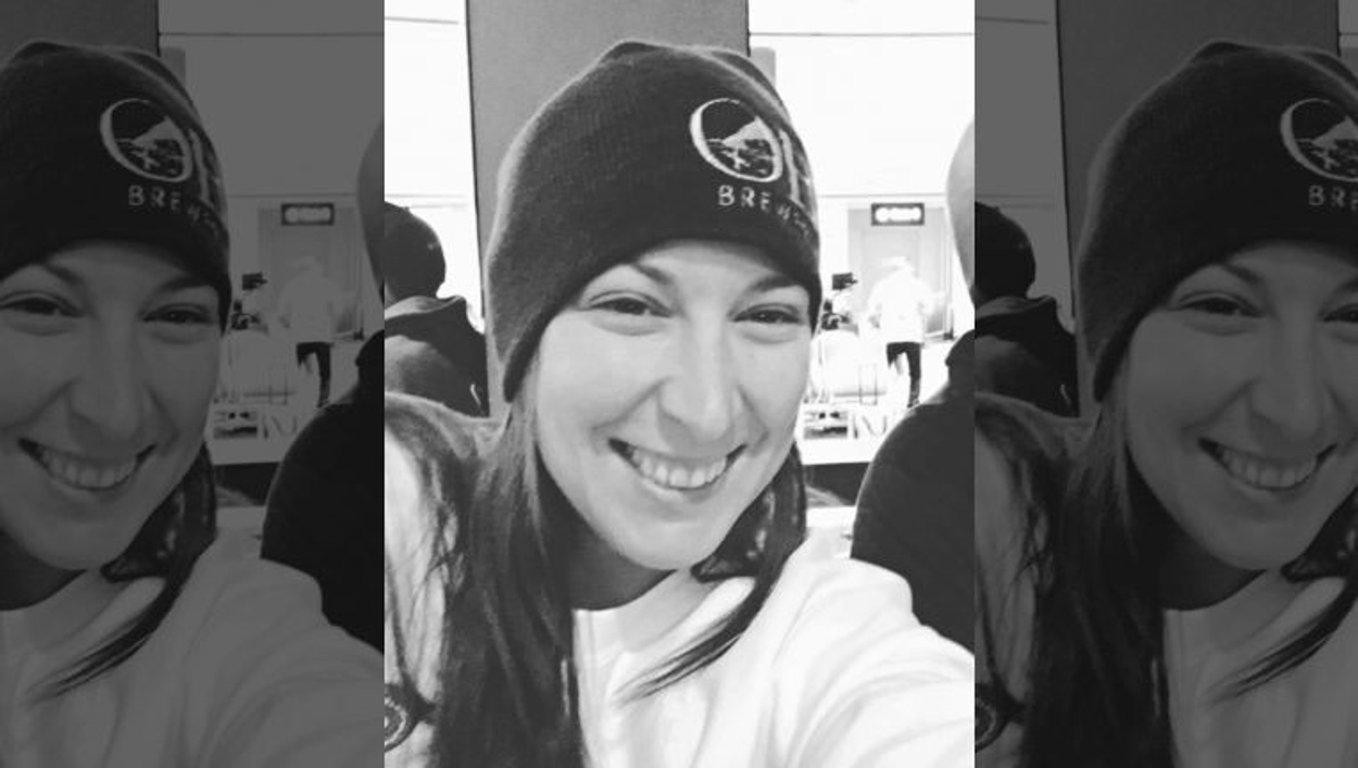 Ashli Babbit: Αυτή είναι η γυναίκα που έπεσε νεκρή μέσα στο Καπιτώλιο