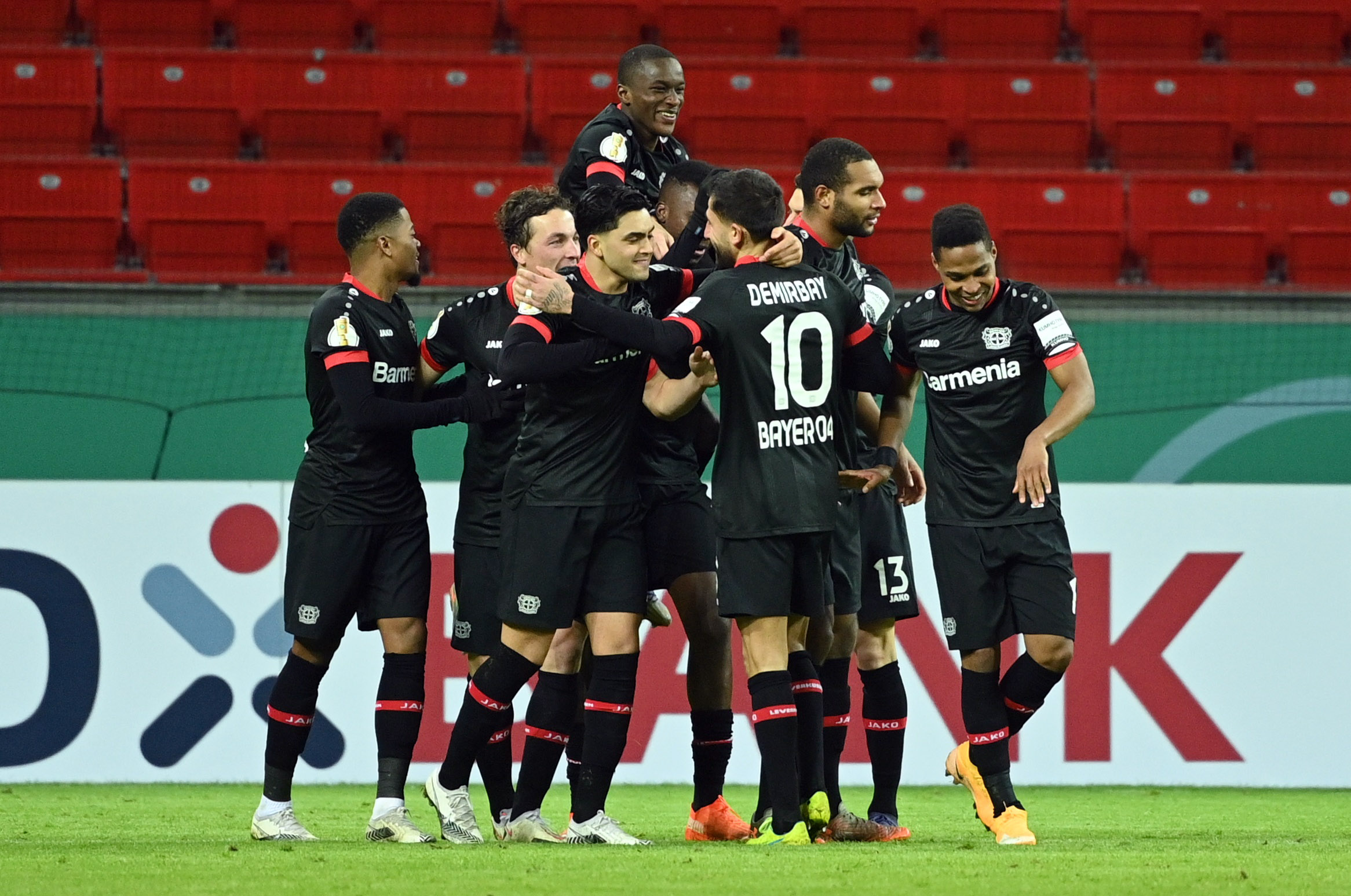 Kύπελλο Γερμανίας: «Ντόρτια» στην Άϊντραχτ και πρόκριση για την Λεβερκούζεν (video)