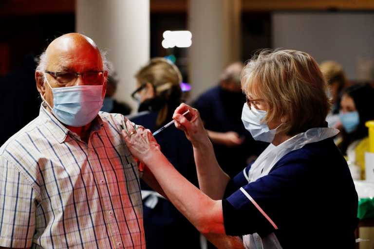 Βρετανία: Ξεπέρασαν τα 20 εκατ. οι εμβολιασμοί κατά του κορονοϊού