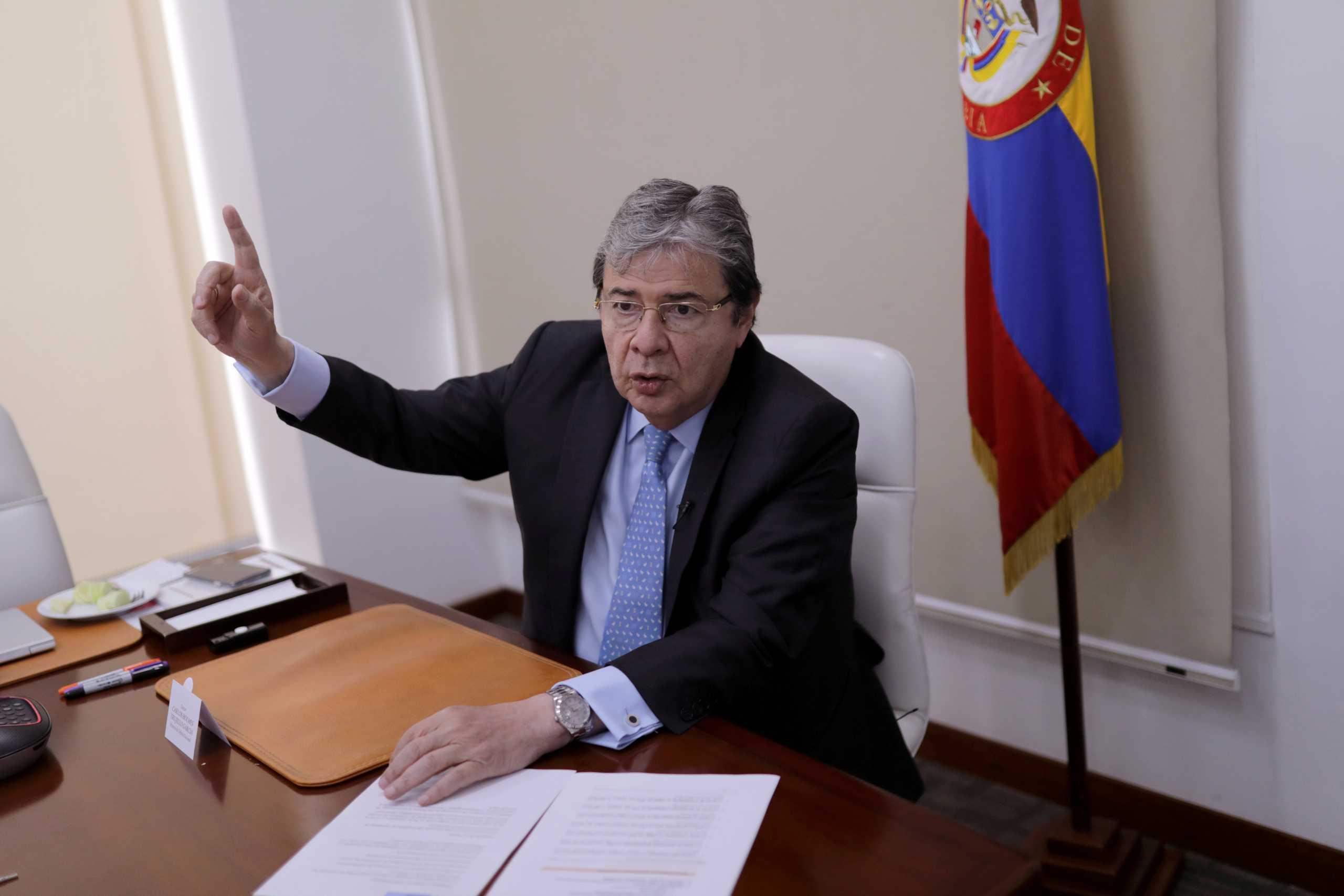 Κολομβία: Πέθανε από κορονοϊό ο υπουργός Άμυνας