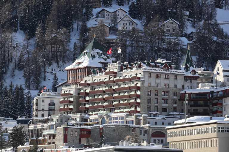 Ελβετία – Συναγερμός στο Σεν Μόριτζ: Σε υπαλλήλους ξενοδοχείων 31 κρούσματα παραλλαγμένου κορονοϊού