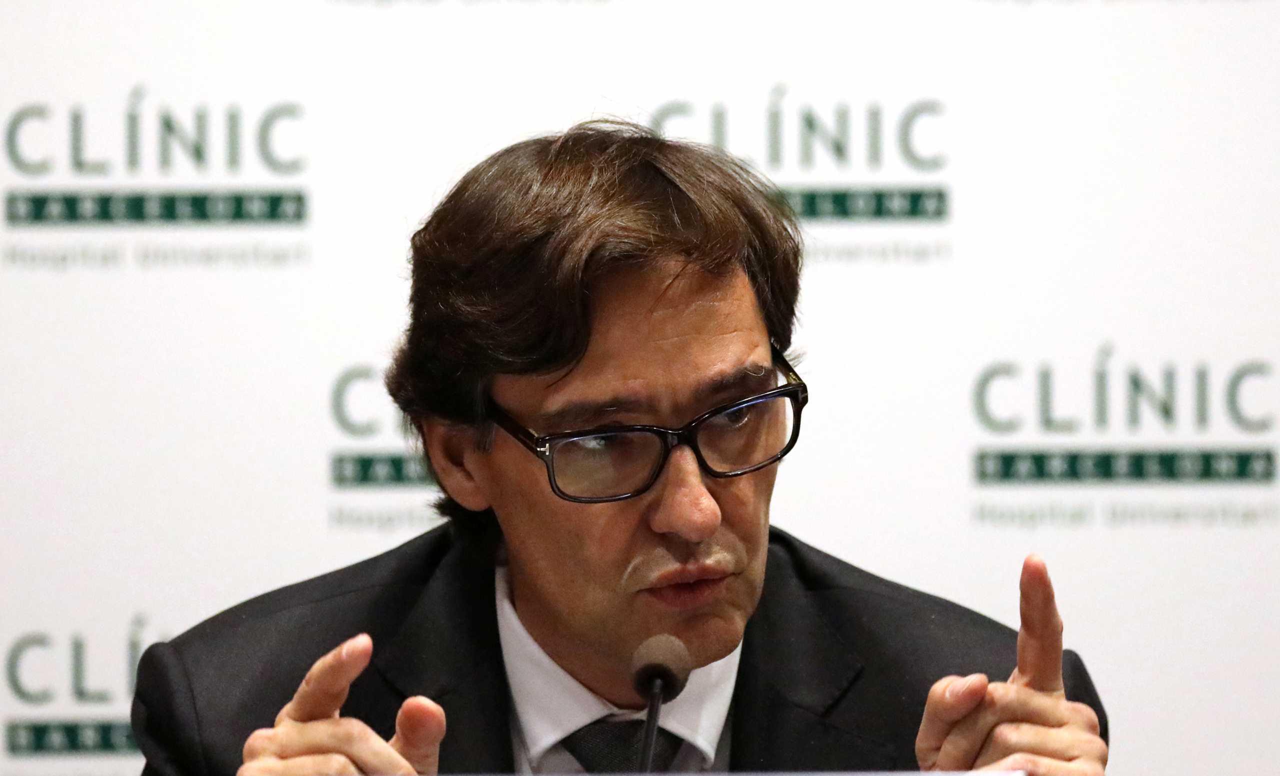 Ισπανία: Εν μέσω πανδημίας ο υπουργός Υγείας παραιτείται για τις καταλανικές εκλογές