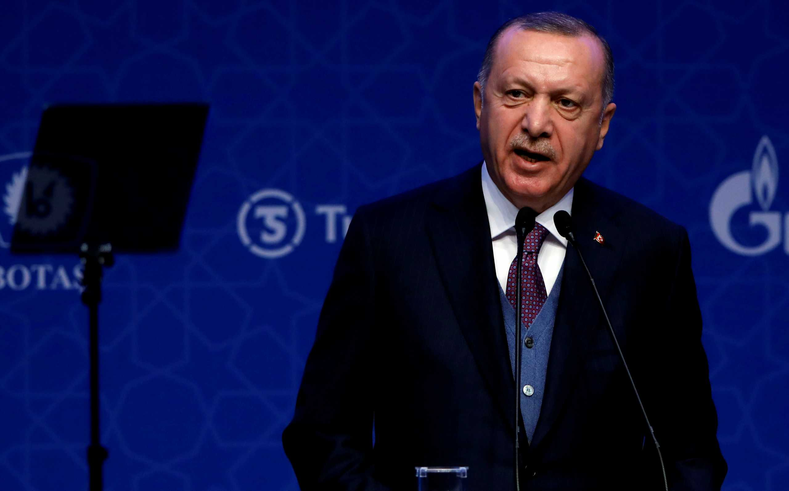 Τσενγκίζ Ακτάρ: «Θηλιά» η οικονομία για τον Ερντογάν, μπορεί να φέρει το πολιτικό του τέλος (video)