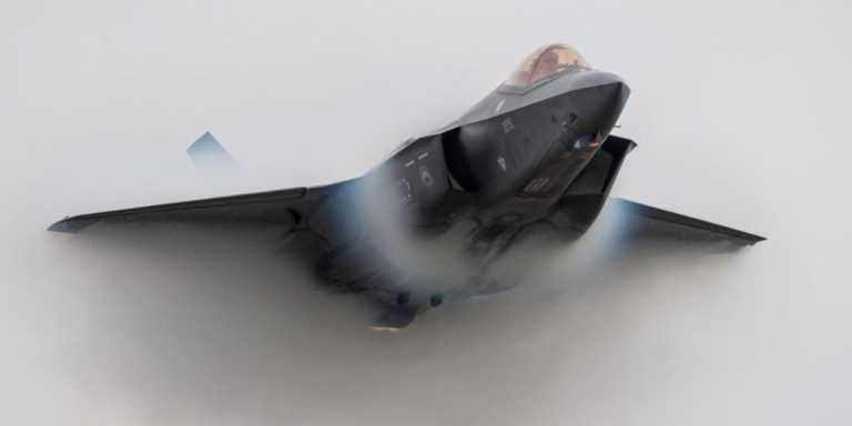F-35: Με το ένα πόδι εκτός Λευκού Οίκου ο Τραμπ «έκλεισε» deal με τα ΗΑΕ για τα stealth μαχητικά!