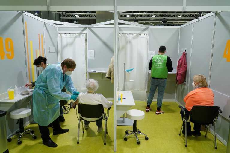 Γιατροί της Γερμανίας: «Παρά το lockdown κινδυνεύουμε από τον μεταλλαγμένο κορονοϊό»