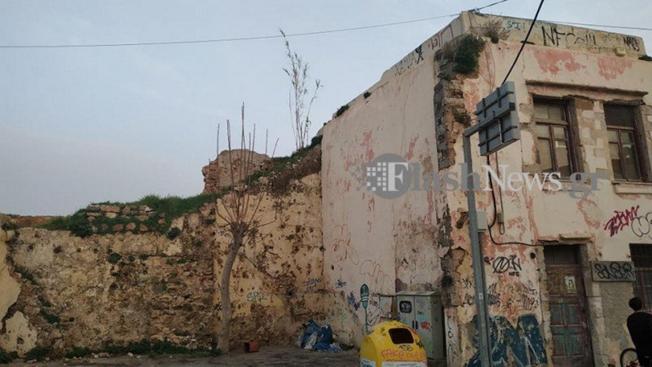 Χανιά: Σε σοβαρή κατάσταση ο 13χρονος που έπεσε από 6 μέτρα ύψος – Μεταφέρεται στο ΠΑΓΝΗ (pics)
