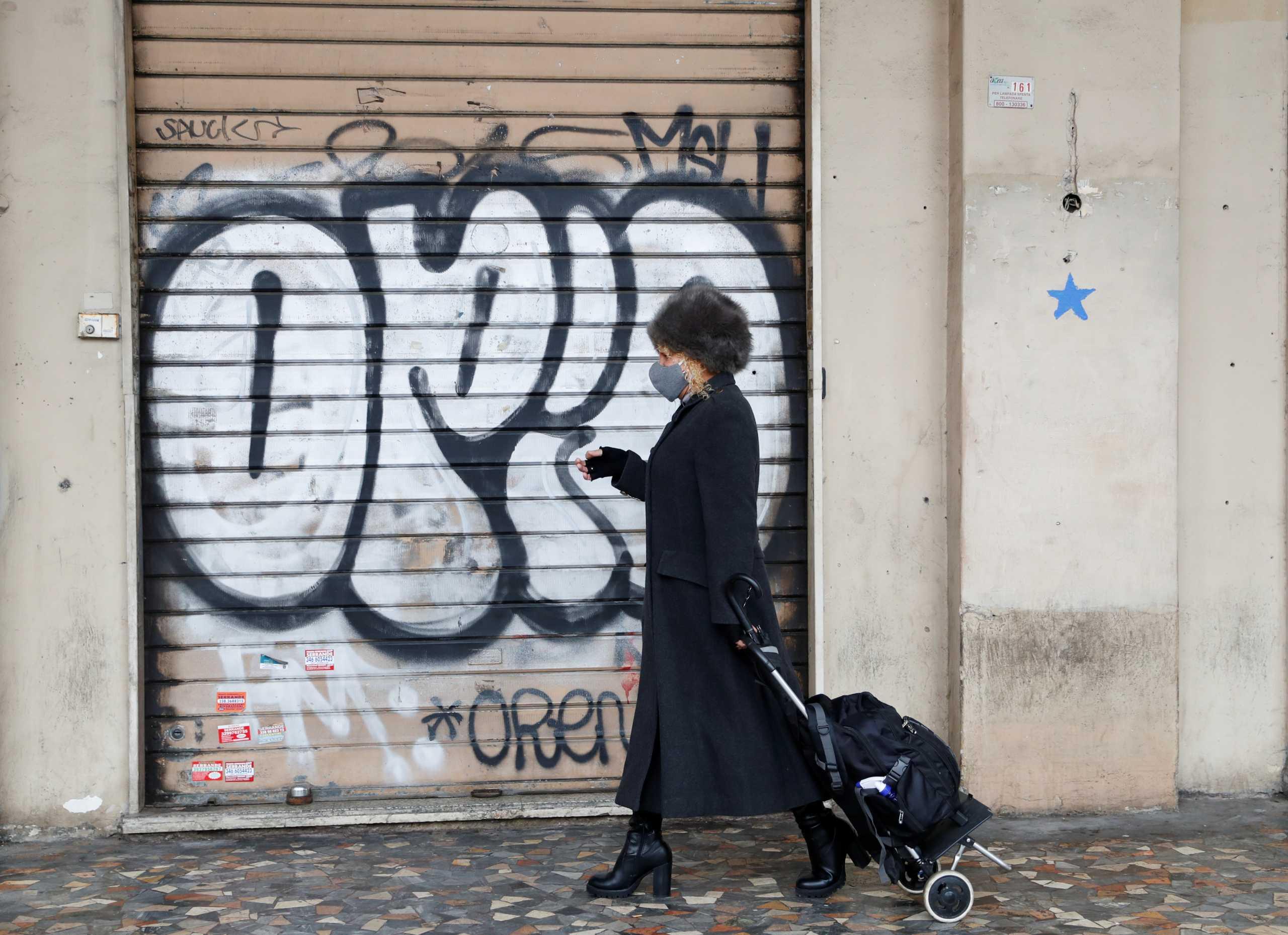 """Κορονοϊός: """"Βράζει"""" από νέα κρούσματα η Ιταλία"""
